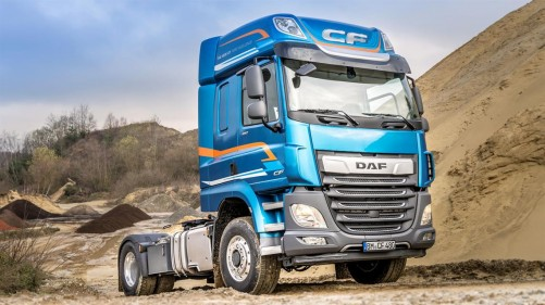 1772x995_DAF_CF_and_XF_available_with_switchable_front_wheel_drive_tcm30-65643_w1140